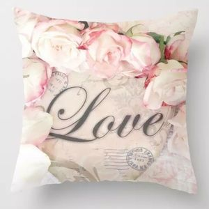 Accents - Pillow Cover Love